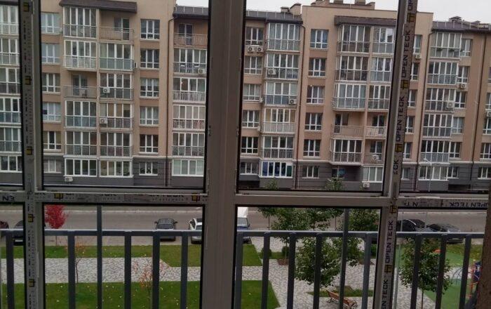 Установка пластикового балкона/ул. Метрологическая 54 Киев